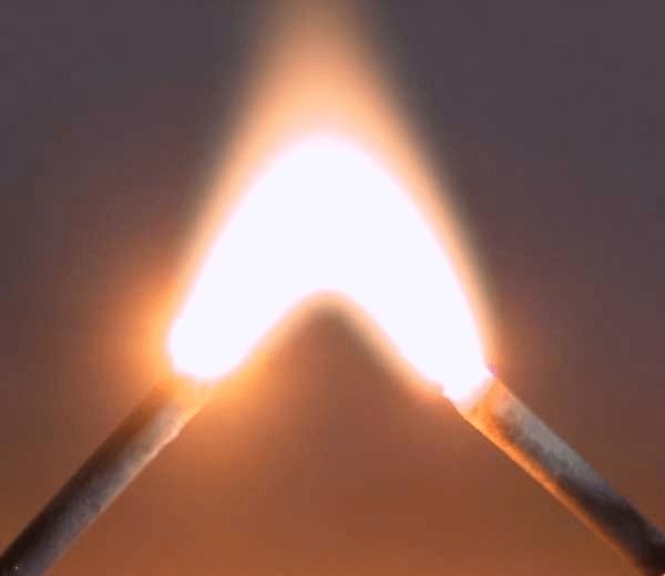 lichtbogen-3000-volt