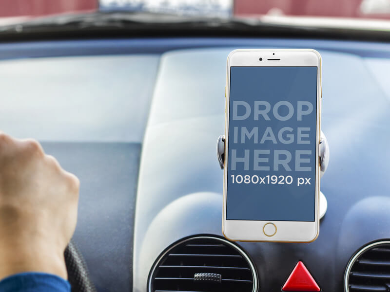 default_apple-iphone-6-plus-in-the_car-base