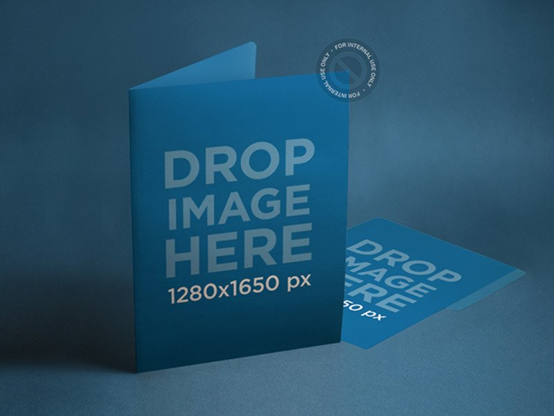 BRANDING MOCKUP FEATURING A SET OF FOLDERS