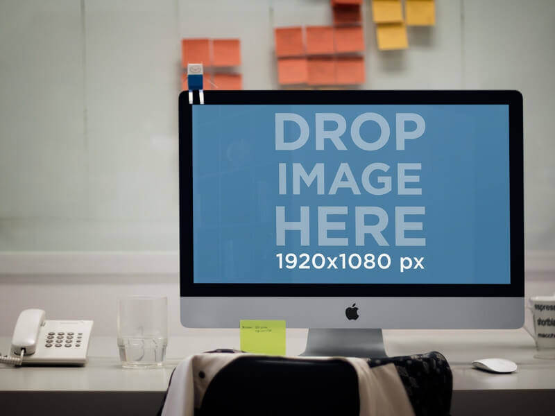 iMac Mockup in Office