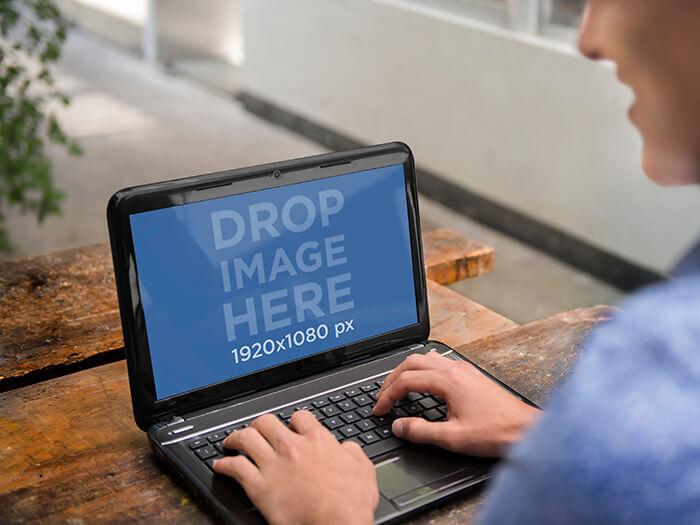 Laptop Mockup 13