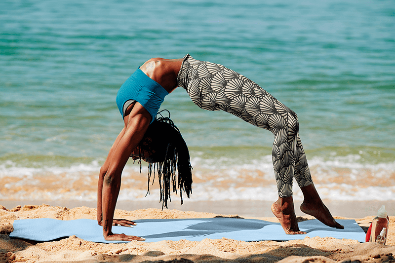 Leggings Mockup Of A Woman Doing A Backbend By The Sea